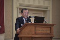 任期を終えられる2016-2017年度会長 山田勝利弁護士